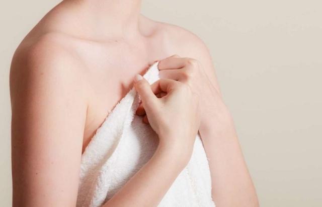 На сосках растут волосы – причины, правильное удаление и лечение