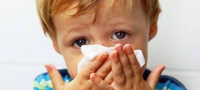 Постоянный насморк у детей, взрослых и пожилых – причины, лечение