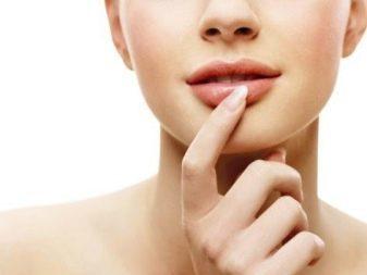 Какое масло для губ выбрать от сухости и для красоты?