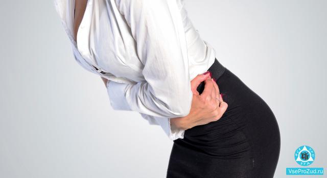 Зуд в интимной зоне у женщин – причины и лечение