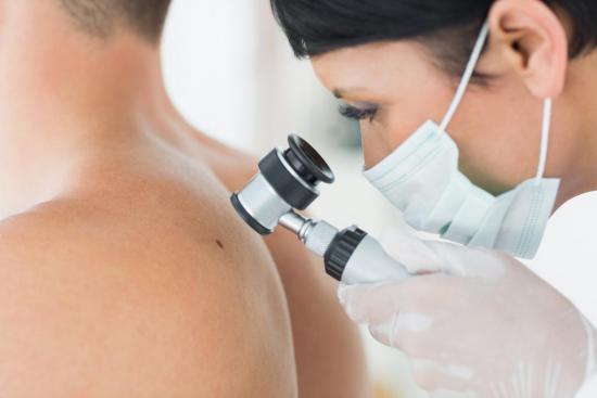 Шишка при пирсинге носа – причины, гранулема, келоидный рубец