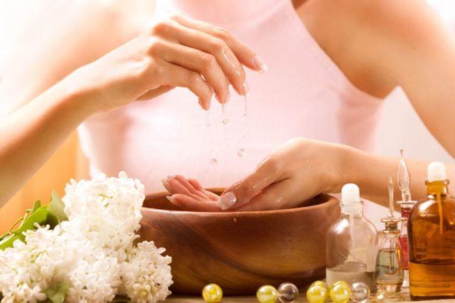Облазит кожа вокруг ногтей (кутикулы) – поричины и домашние средства