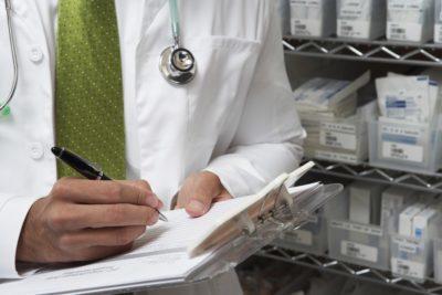 Гипогликемическая кома: неотложная помощь (алгоритм), симптомы, причины, лечение, клинические рекомендации
