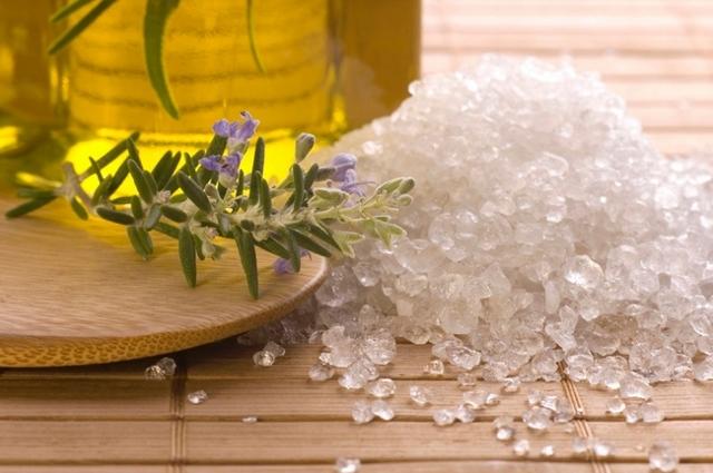 Как применять соль при лечении варикоза?